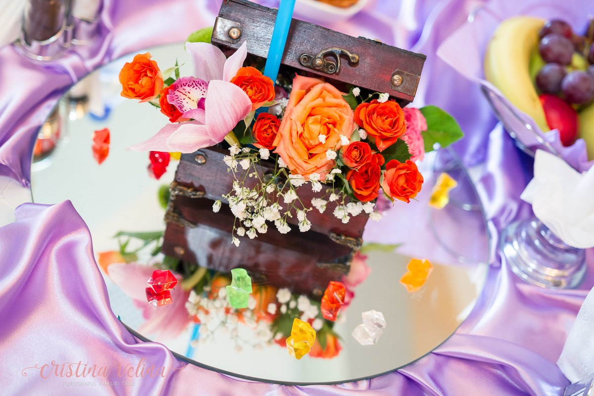 Aranjament floral botez. Fotografii botez profesionale.