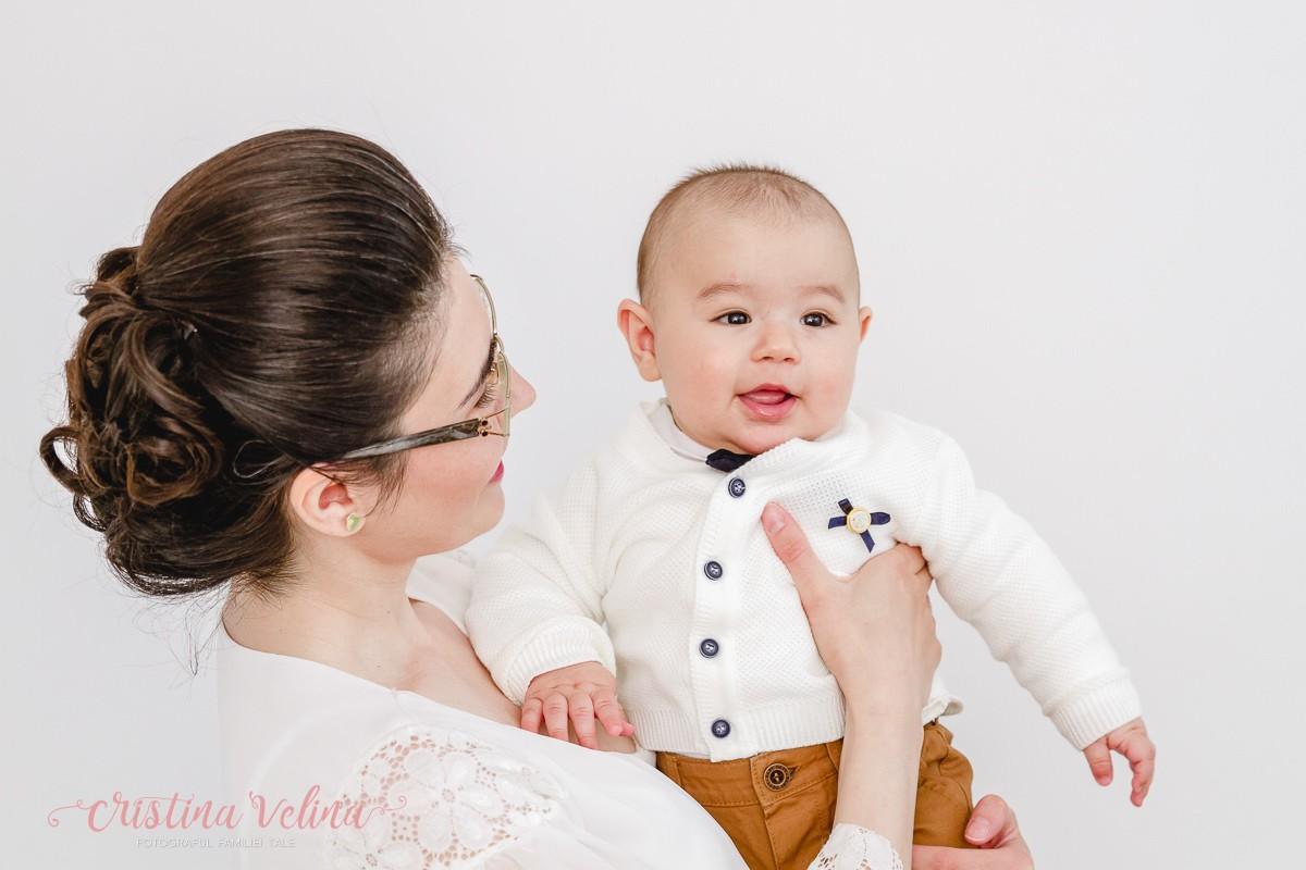 Vladimir in brate la mami, acasa, inainte de botez